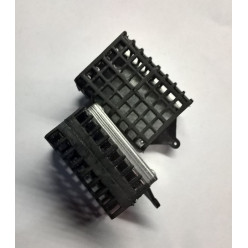 Кормушка HDR квадрат 150гр мягкая