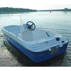 Лодка стеклопластиковая Пингвин с консолью (тримаран)