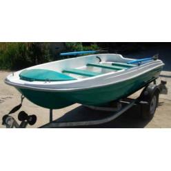 Лодка стеклопластиковая Пингвин 3880
